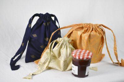 Small drawstring gift bags